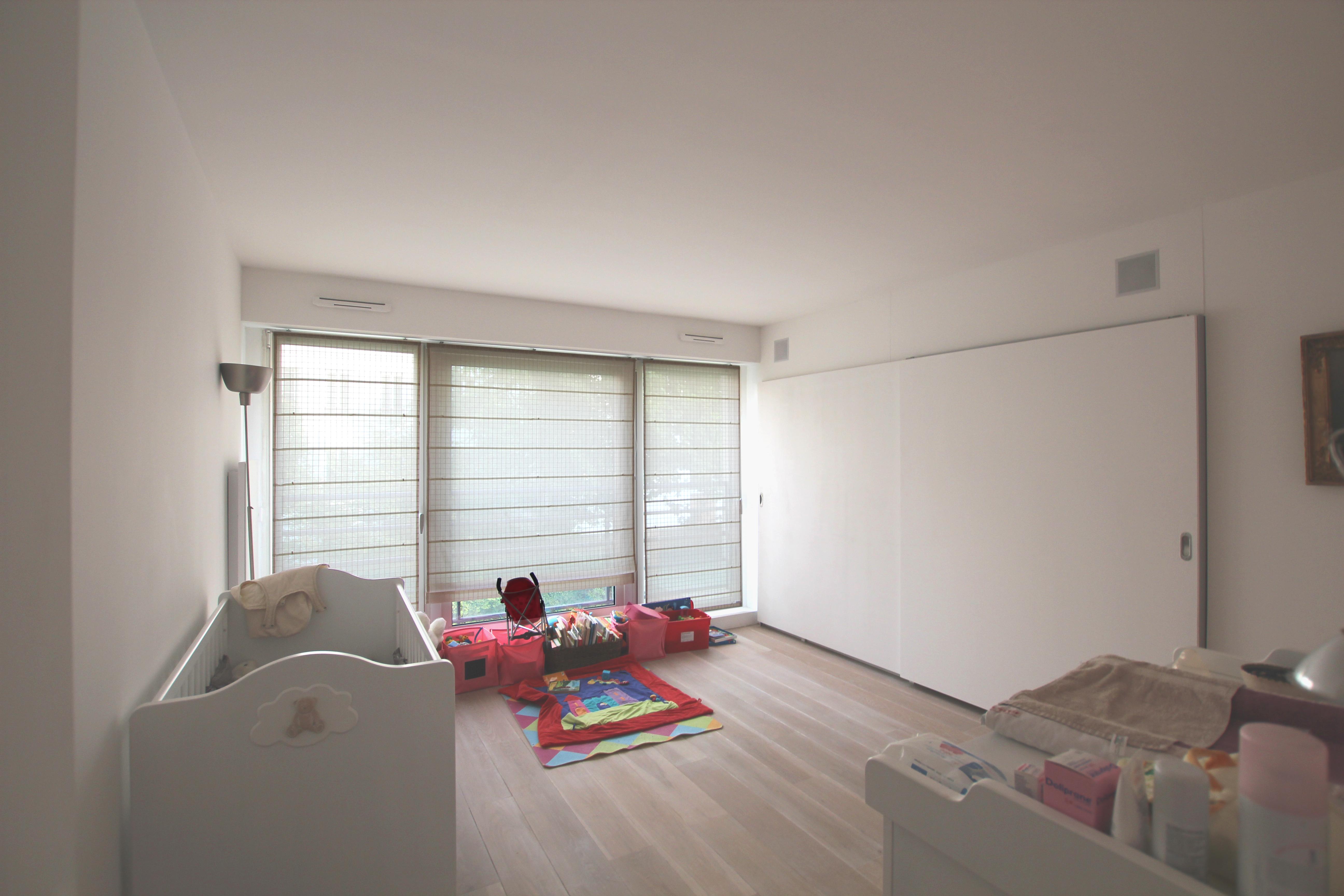 vue de la chambre enfants. Black Bedroom Furniture Sets. Home Design Ideas