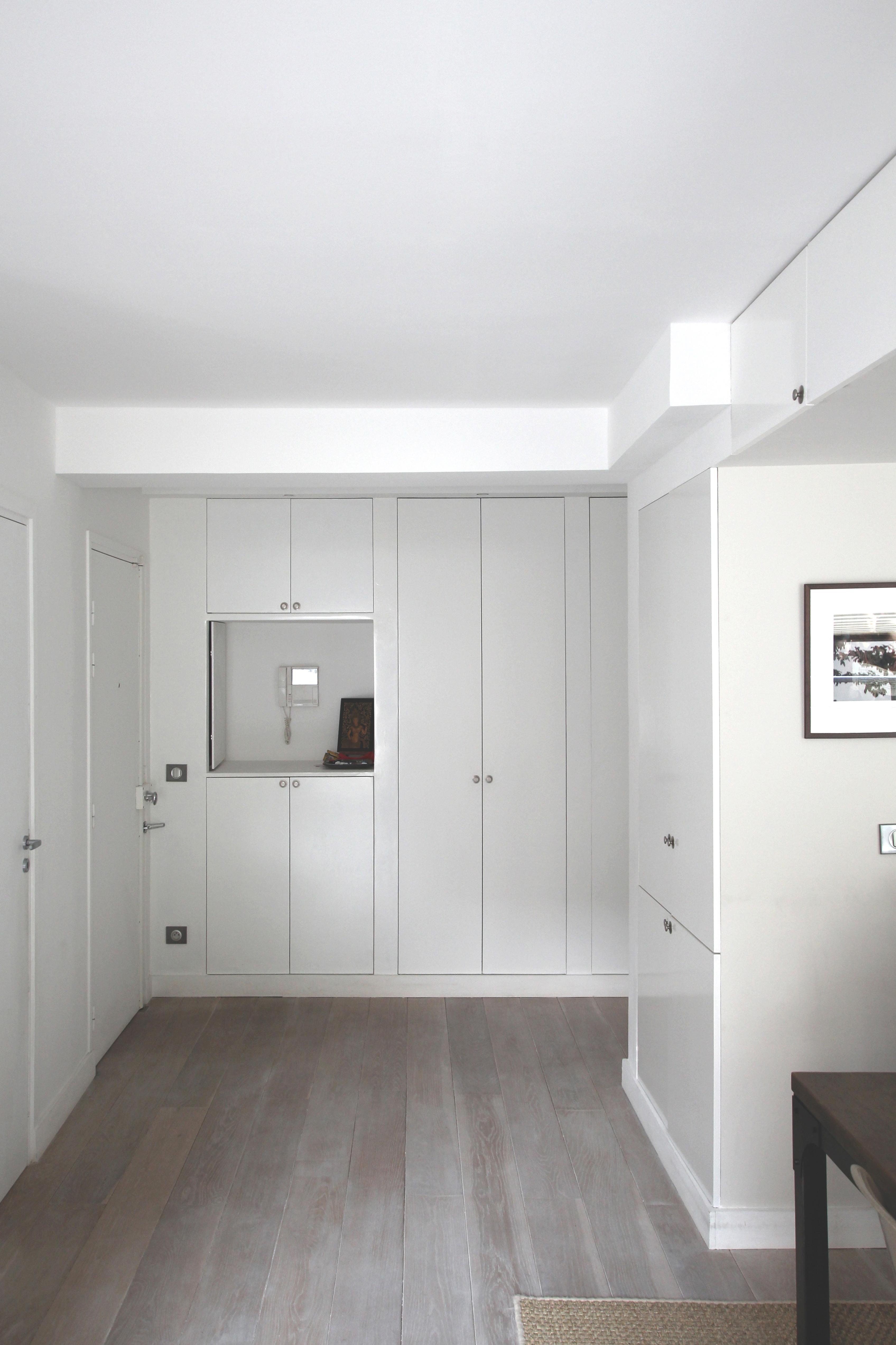 vue du meuble galerie depuis la salle manger. Black Bedroom Furniture Sets. Home Design Ideas