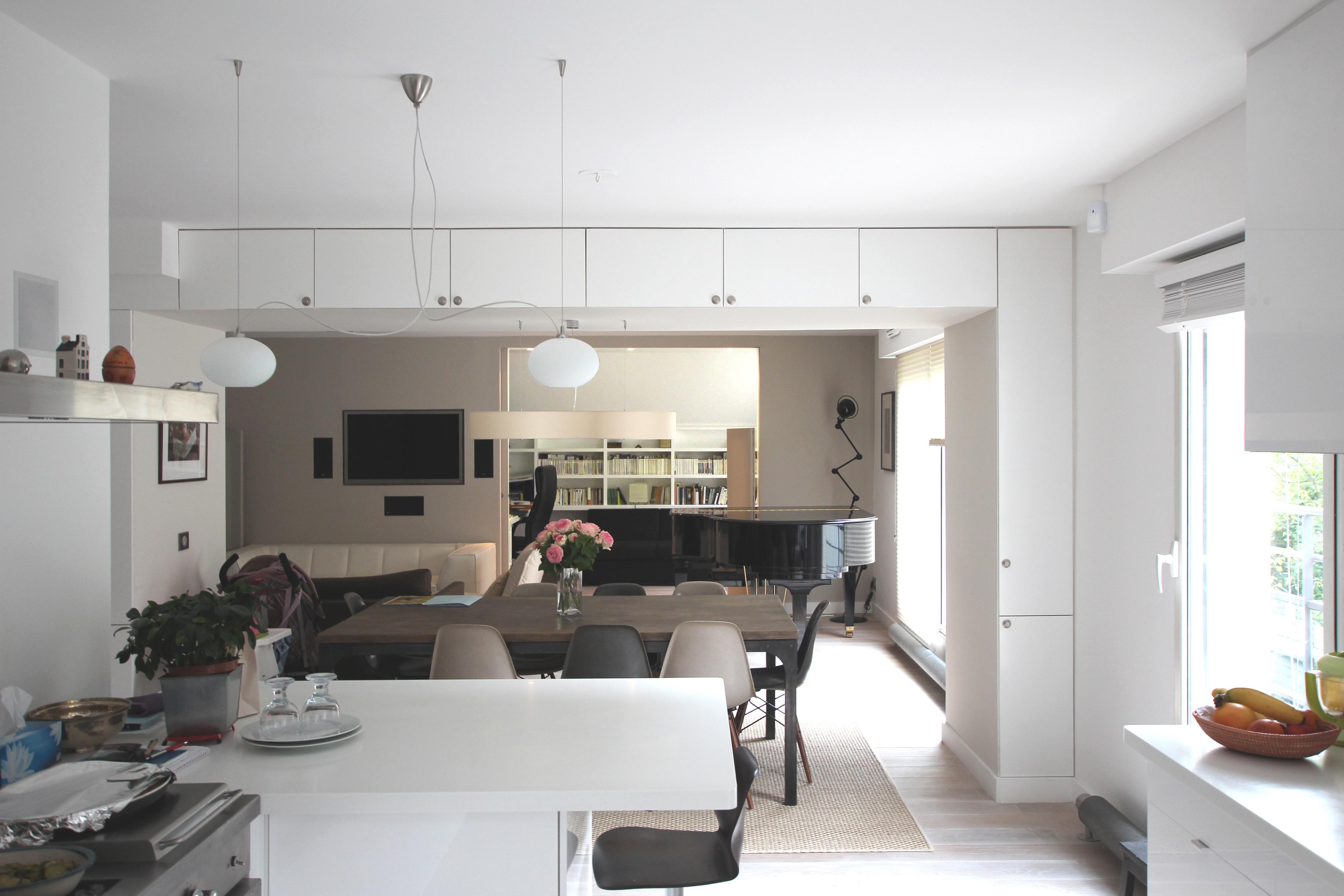 perspective longitudinale du salon depuis la cuisine. Black Bedroom Furniture Sets. Home Design Ideas